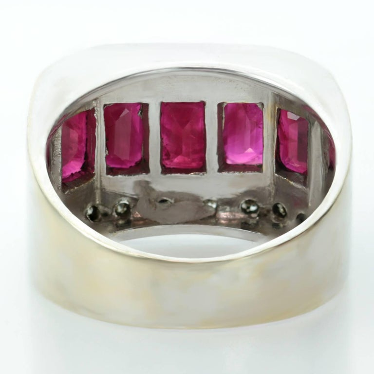 1940s Diamond Ruby White and Yellow Gold Ring For Sale 3