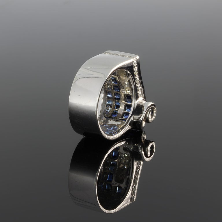 1940s Diamond Sapphire White Gold Ring In Excellent Condition For Sale In Berlin, DE