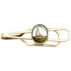 1940s Essex Crystal Reverse Intaglio Yellow Gold Tie Clip