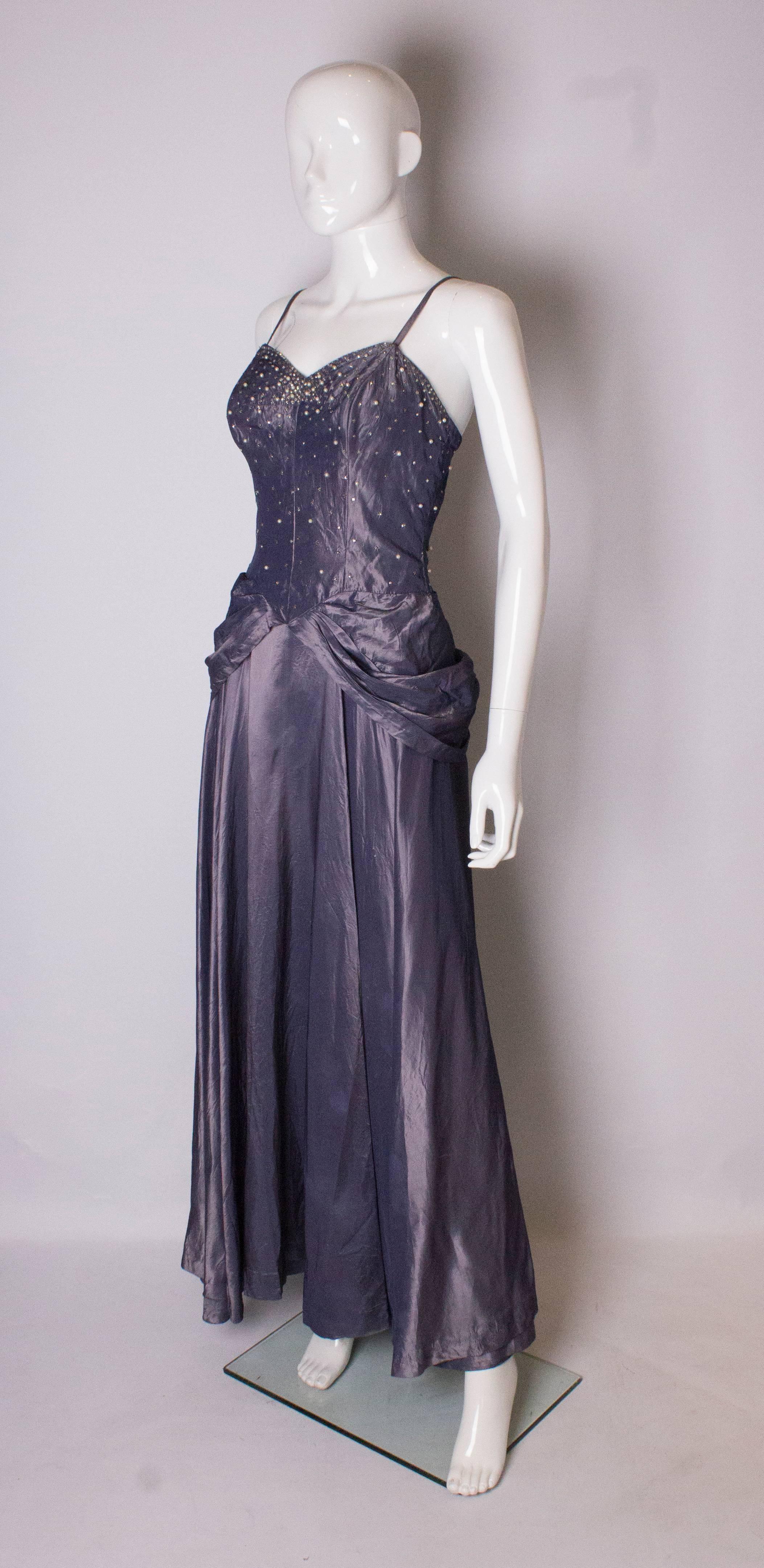 Magnífico Vestidos De Dama 1940 Ideas Ornamento Elaboración ...