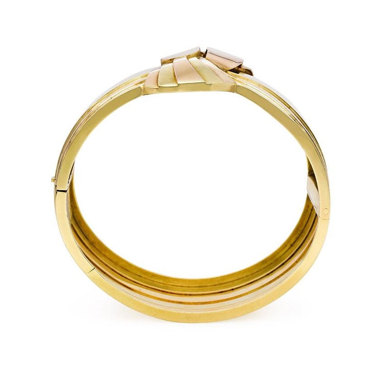 Retro 1940s French Two-Color Gold Stylized Bowknot Cuff Bracelet For Sale