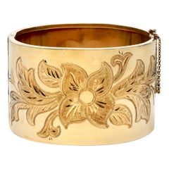 1940s French Wide Gold Bangle Bracelet with Engraved Floral Motif