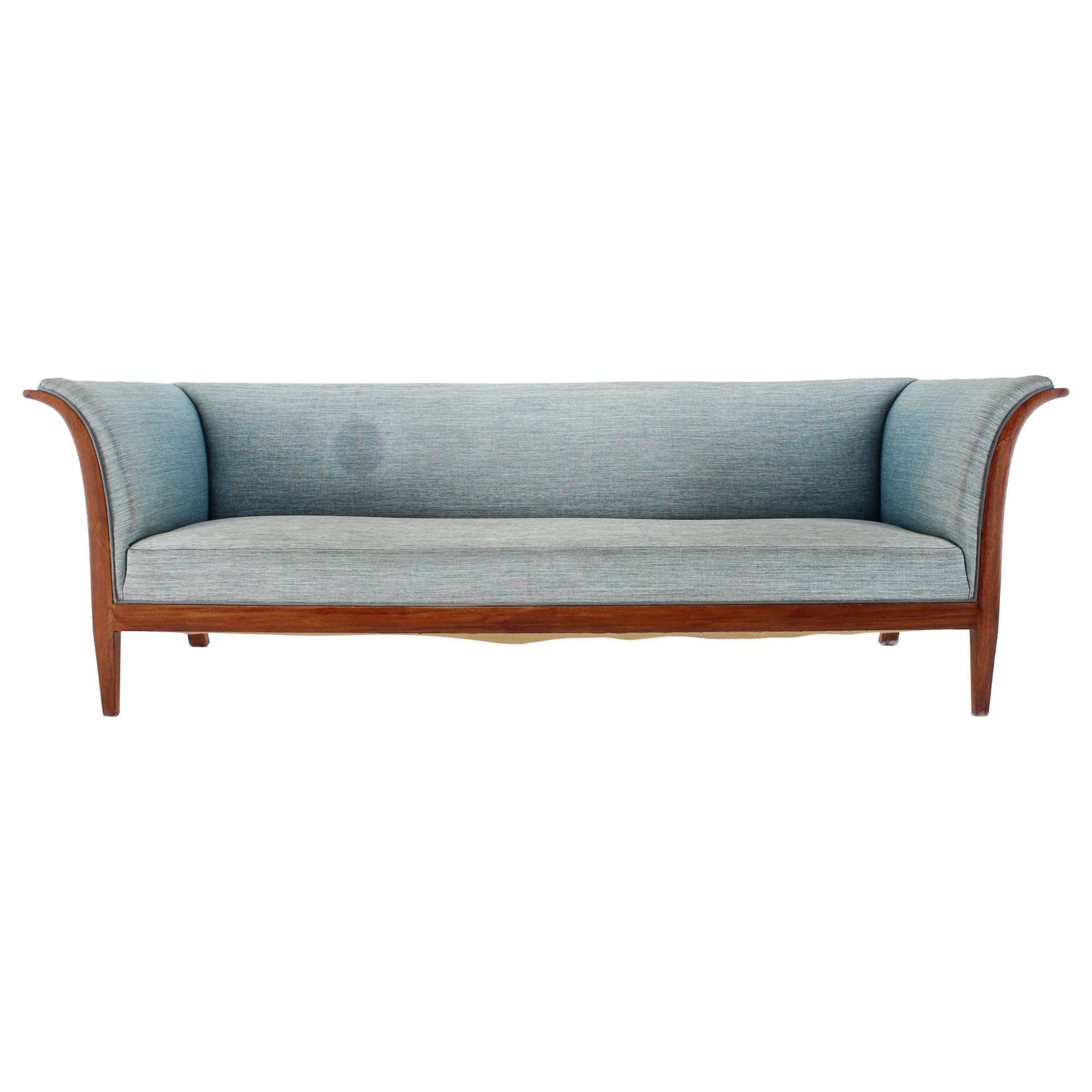1940s Frits Henningsen Mahogany Three-Seat Sofa, Denmark, 1940s