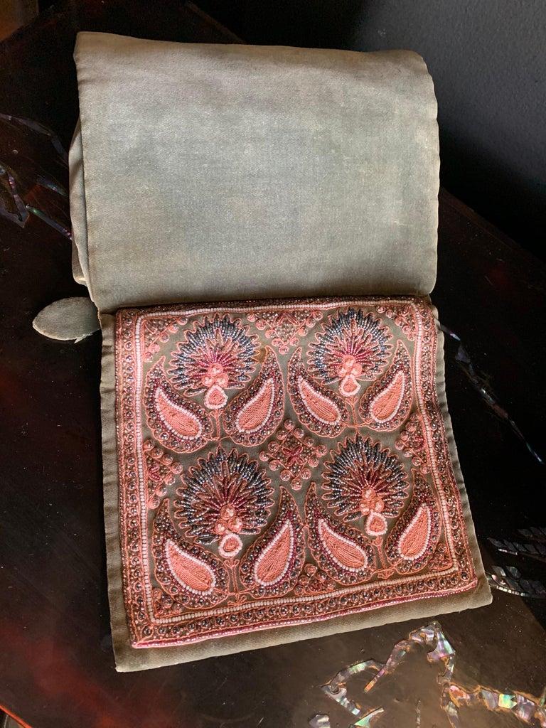 1940s Harry Rosenfeld Sage Velvet Envelope Clutch W/ Beaded & Embroidered Flap For Sale 4