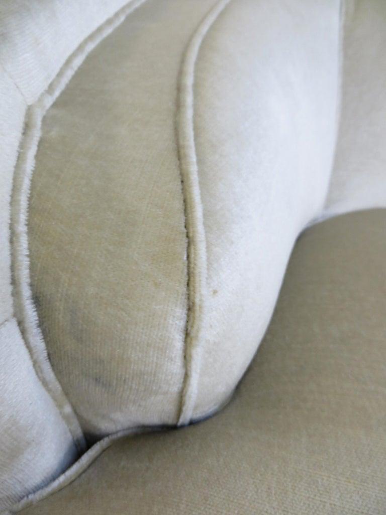 1940s Italian Modern Curved Vintage Design Sofa in Beige Velvet-Velour, 3-Seater For Sale 12