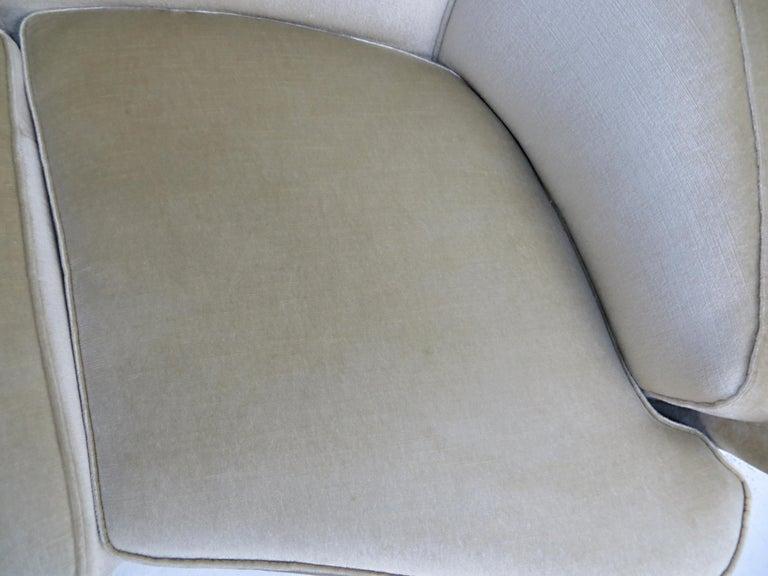 1940s Italian Modern Curved Vintage Design Sofa in Beige Velvet-Velour, 3-Seater For Sale 13