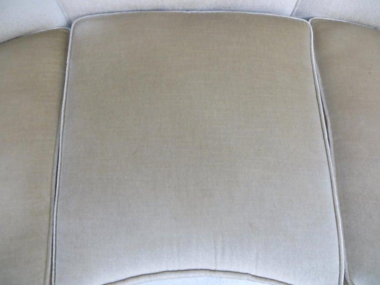 1940s Italian Modern Curved Vintage Design Sofa in Beige Velvet-Velour, 3-Seater For Sale 14