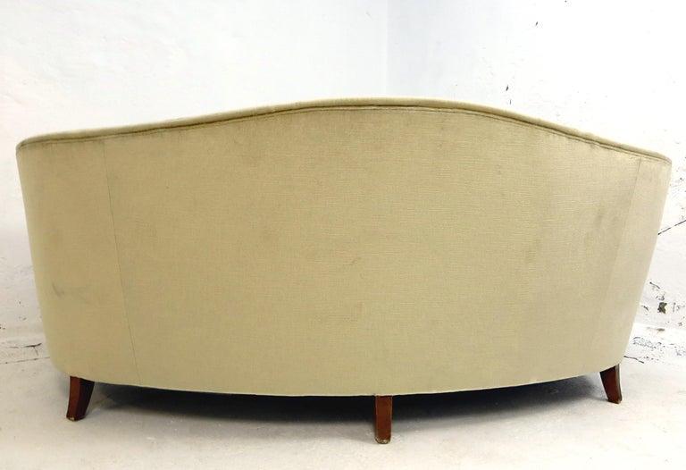 1940s Italian Modern Curved Vintage Design Sofa in Beige Velvet-Velour, 3-Seater For Sale 2