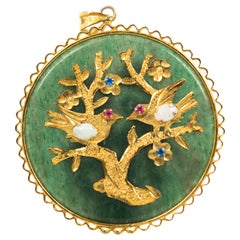 1940s Jade Disc Blessing Pendant in 14 Karat Yellow Gold