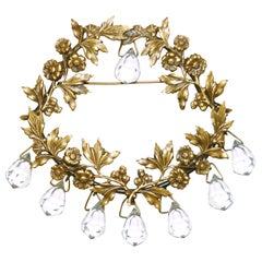 1940s Joseff of Hollywood Chandelier Floral Wreath Brooch in Russian Gold Fin