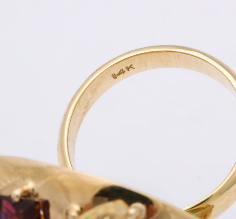 1940s Jumbo Multicolored Stones Satellite Bombe Gold Cocktail Ring For Sale 7