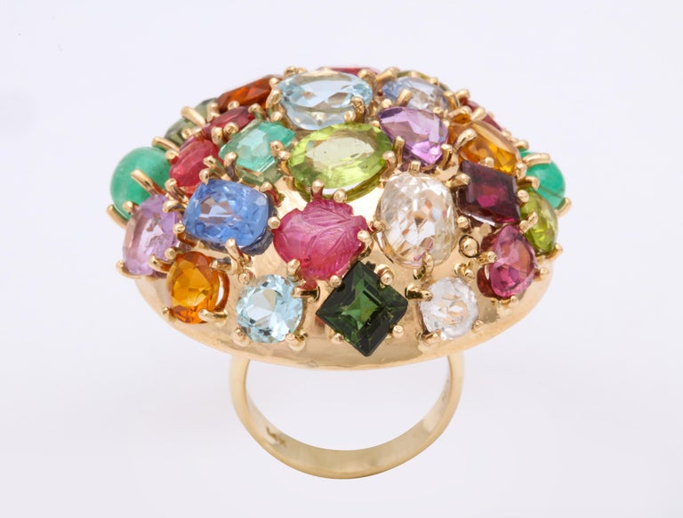 1940s Jumbo Multicolored Stones Satellite Bombe Gold Cocktail Ring In Good Condition For Sale In New York, NY