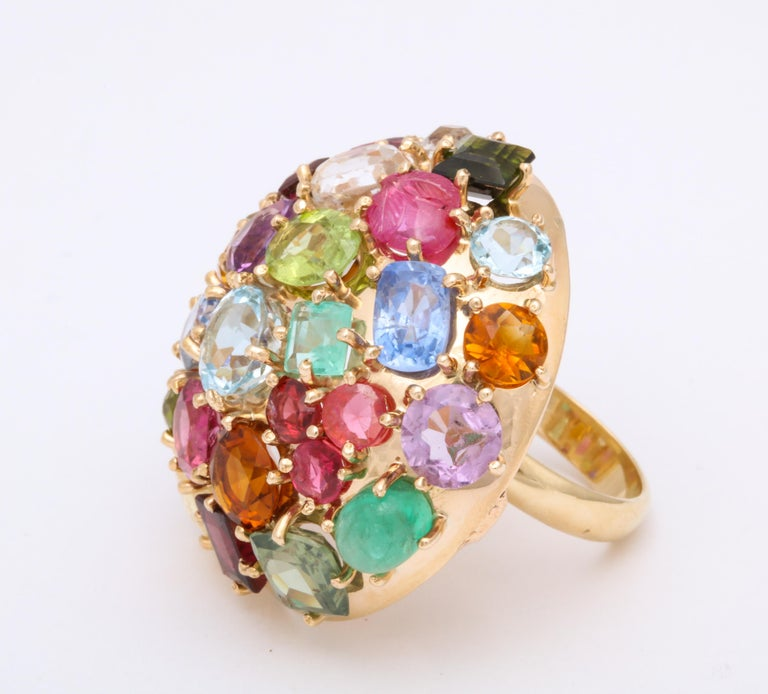 1940s Jumbo Multicolored Stones Satellite Bombe Gold Cocktail Ring For Sale 4