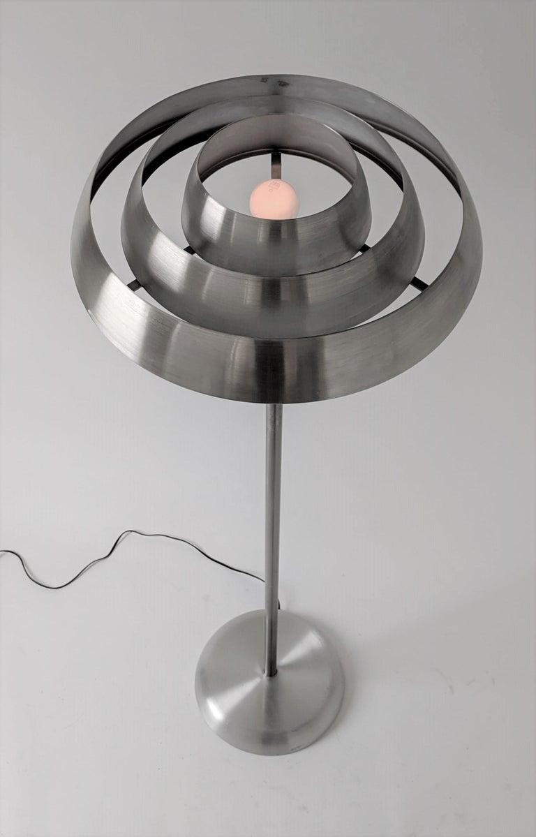 1940s Kurt Versen 'Saturn' Style Art Deco Aluminum Floor Lamp, USA For Sale 1