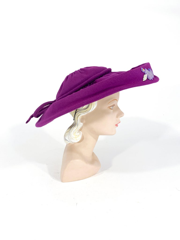 Gray 1940s Magenta Picture Hat For Sale