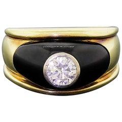 1940s Men's Diamond Onyx Ring Approximate 0.72 Carat 14.3grams Stunning