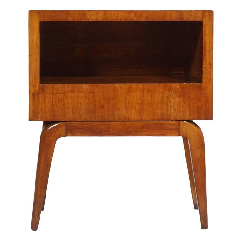 Elegant and particular, of great image bedside table or nightstand in cherrywood, circa 1940, Gio Ponti design.