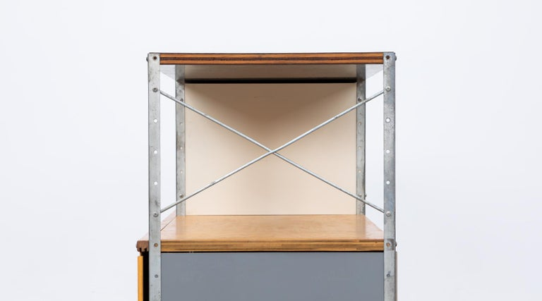 1940s multicolored ESU Shelf by Charles & Ray Eames 'c' For Sale 7