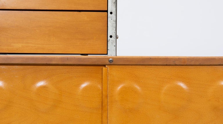 1940s multicolored ESU Shelf by Charles & Ray Eames 'c' For Sale 2