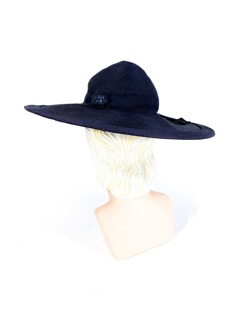 Women's 1940s Navy Woven Straw Wide-Brimmed Hat For Sale