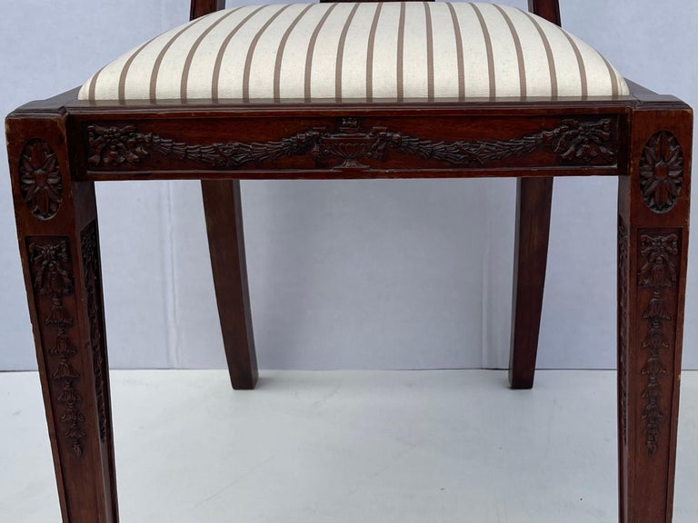 1940s Neo-Classical Style Carved Mahogany Side Chairs, Pair For Sale 1