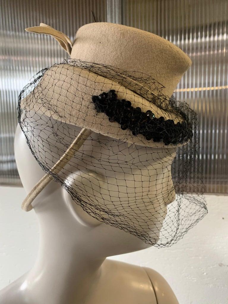1940s New York Creations Ecru Wool Tilt Top Hat W/ Feathers Sequins & Veil For Sale 2
