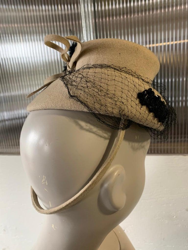 1940s New York Creations Ecru Wool Tilt Top Hat W/ Feathers Sequins & Veil For Sale 3