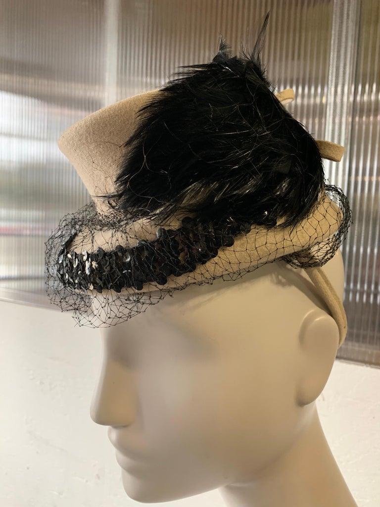 1940s New York Creations Ecru Wool Tilt Top Hat W/ Feathers Sequins & Veil For Sale 4