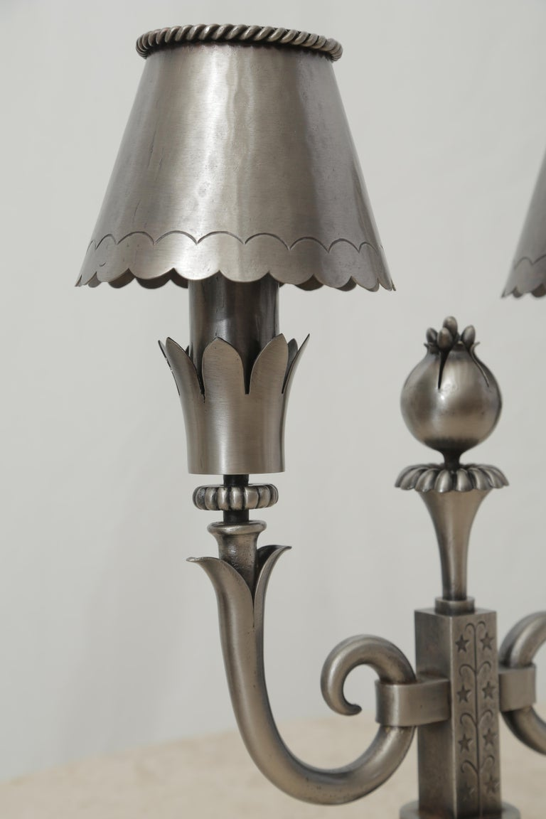 Pair of Midcentury Polished Wrought Iron Table Lamps Attributed to Poillerat In Excellent Condition For Sale In Miami, FL