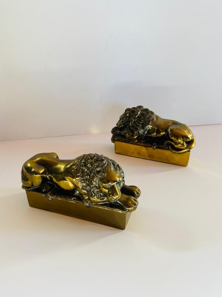 1940s Polished Bronze Plated Antonio Canova Lion Bookends For Sale 4