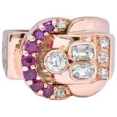 1940s Retro 1.20 Carat Diamond Ruby 14 Karat Rose Gold Buckle Ring