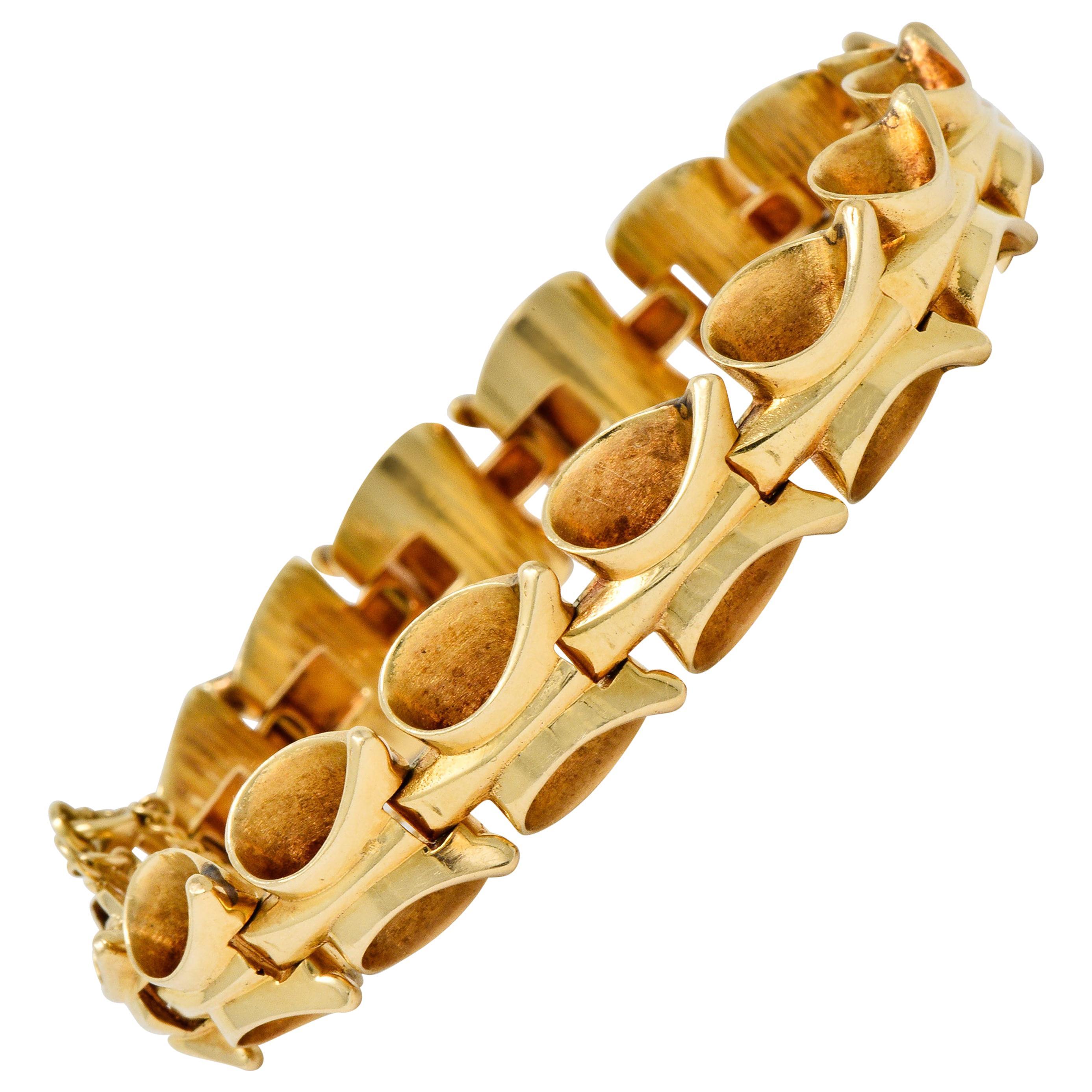 1940s Retro 14 Karat Yellow Gold Stylized Link Bracelet