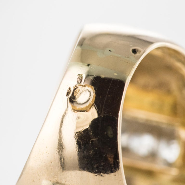1940s Retro 2.30 Carat Diamonds 18 Karat Yellow Gold Platinum Tank Ring For Sale 11