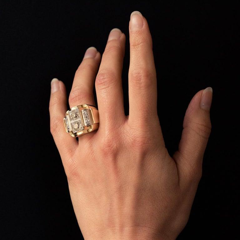 1940s Retro 2.30 Carat Diamonds 18 Karat Yellow Gold Platinum Tank Ring For Sale 4
