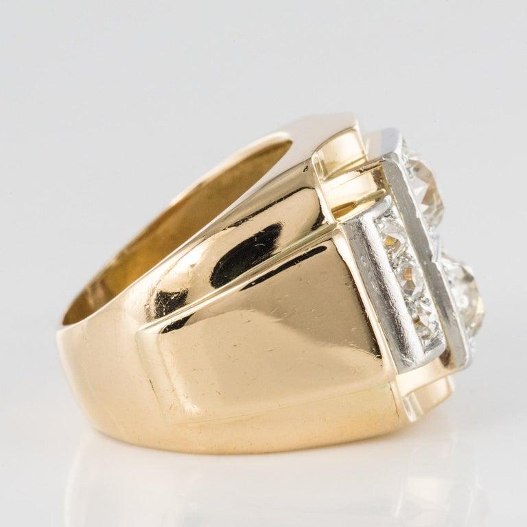 1940s Retro 2.30 Carat Diamonds 18 Karat Yellow Gold Platinum Tank Ring For Sale 5