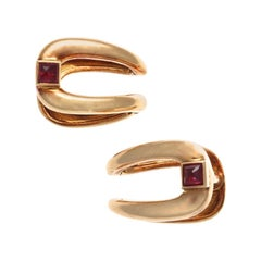 1940s Retro Boucheron Ruby 18 Karat Gold Cufflinks