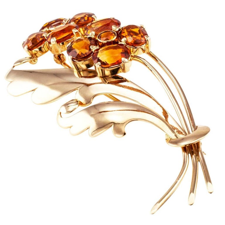 1940s Retro Citrine Flower Gold Brooch In Excellent Condition For Sale In Los Angeles, CA