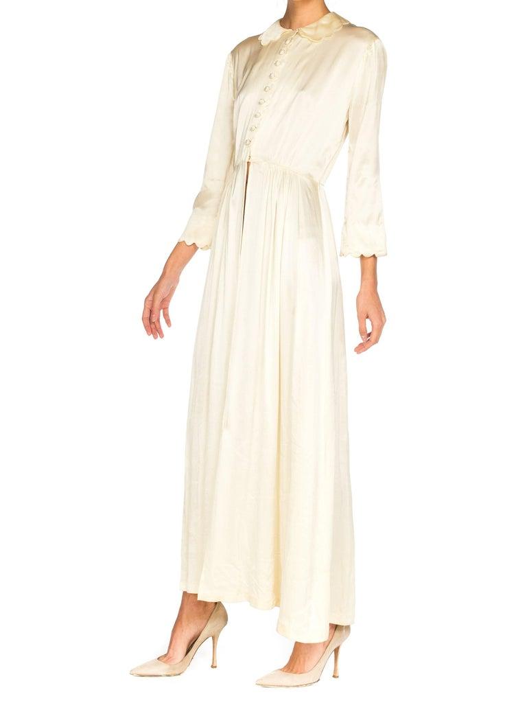 Rich Crepe back Satin Boudoir Robe Dressing Gown Peignoir, 1940s For Sale 3