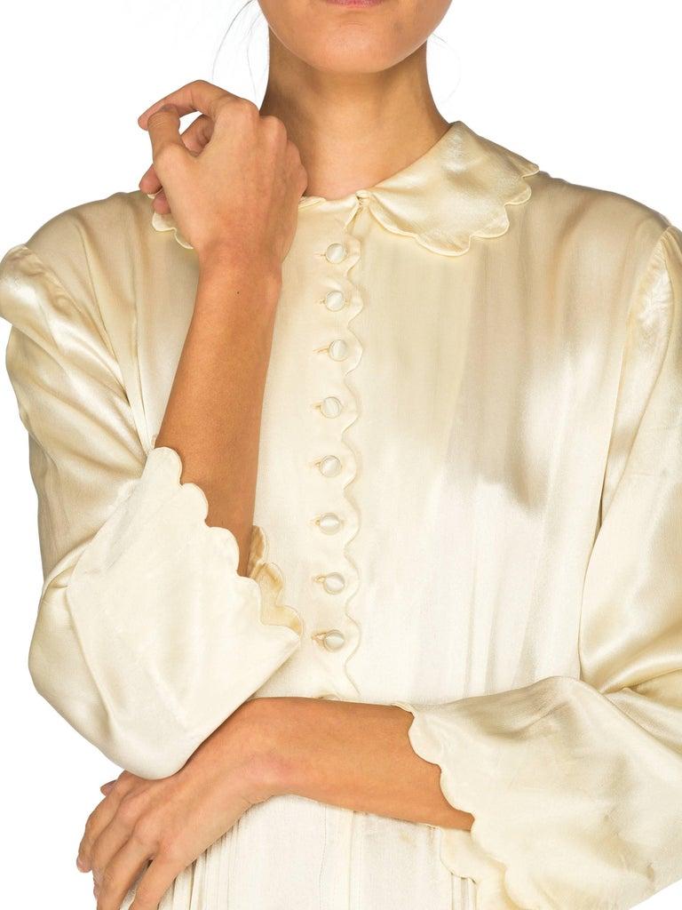 Rich Crepe back Satin Boudoir Robe Dressing Gown Peignoir, 1940s For Sale 4
