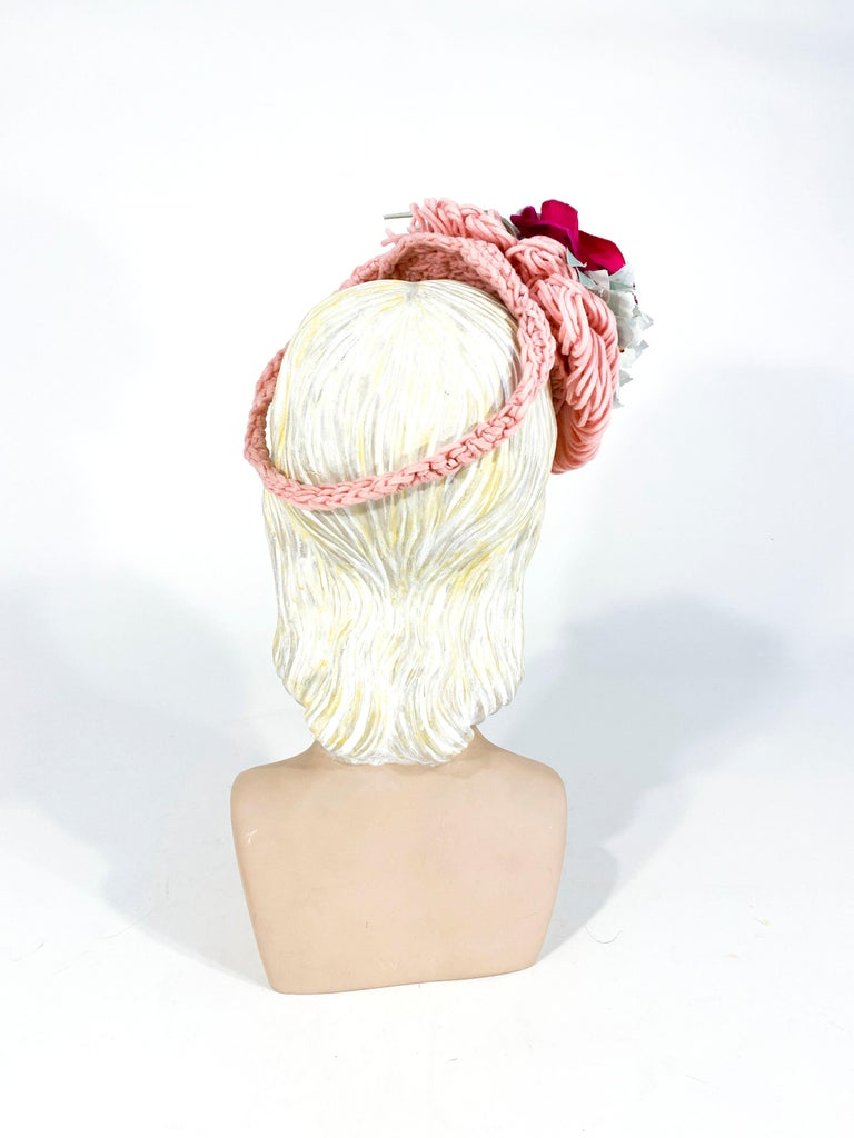 1940's Rose Pink Crochet Wool Cocktail Hat In Good Condition For Sale In San Francisco, CA
