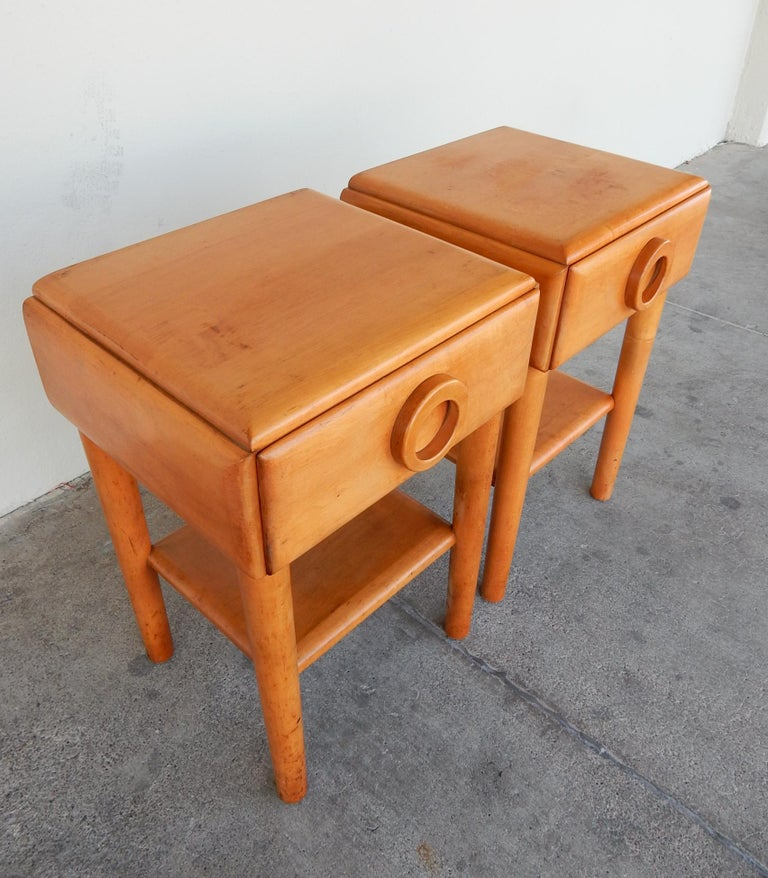1940s Russell Wright Design American Modern Side Tables In Good Condition For Sale In Las Vegas, NV