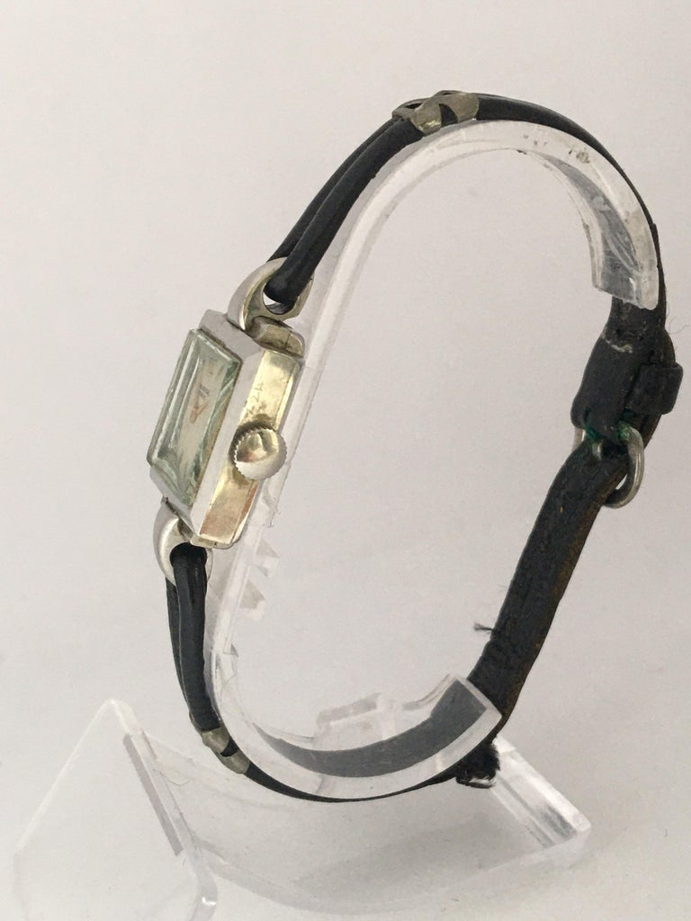 1940s Stainless Steel Mechanical Ladies Universal Geneve Watch For Sale 1