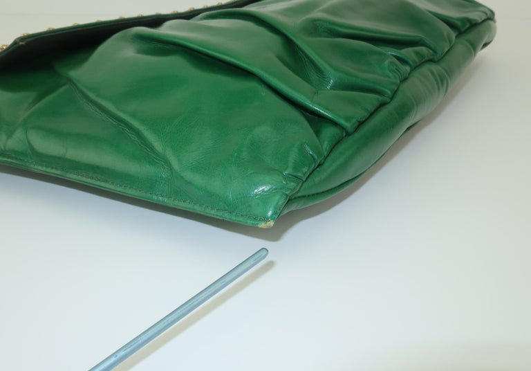 1940's Studded Emerald Green Leather Clutch Handbag For Sale 7