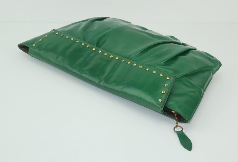 1940's Studded Emerald Green Leather Clutch Handbag For Sale 1
