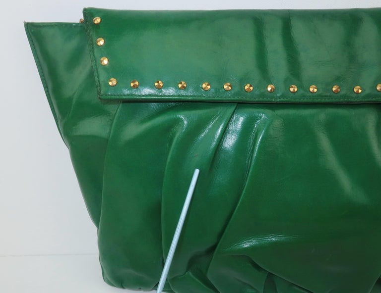 1940's Studded Emerald Green Leather Clutch Handbag For Sale 5