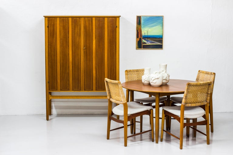 1940s Swedish Modern Cabinet with Marquetry For Sale 6