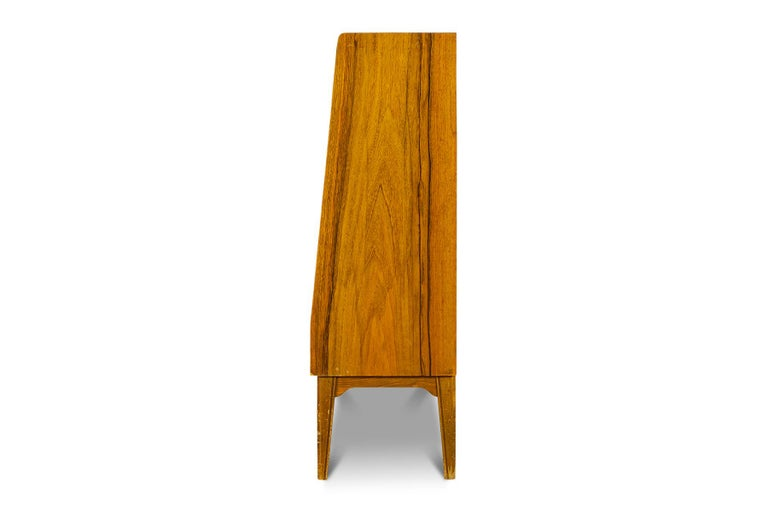 1940s Swedish Modern Narrow Bookcase in Rosewood In Good Condition For Sale In Berkeley, CA