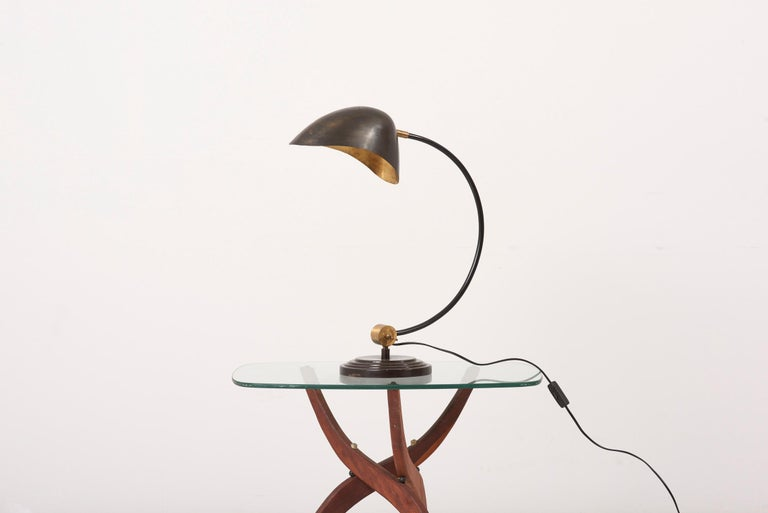 Mid-Century Modern 1940s Table Lamp in Metal and Brass For Sale