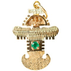 1940s Tolima Bird Pin in 18 Karat Yellow Gold with Colombian Emerald