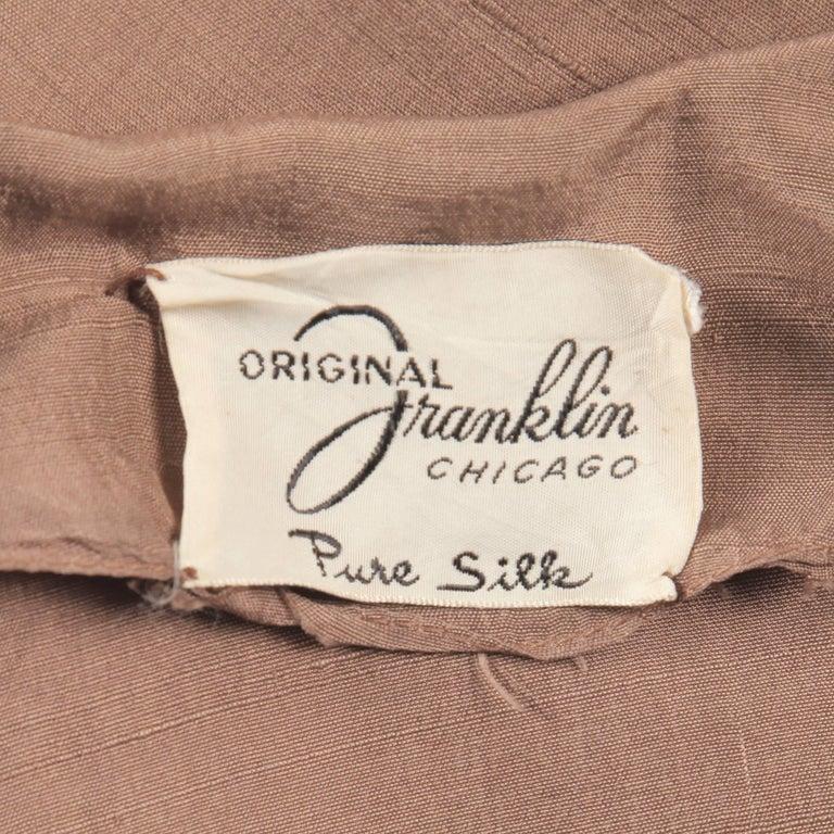 1940s Vintage Asymmetric Beige Silk 2-Piece Jacket + Skirt Women's Suit Ensemble In Excellent Condition For Sale In Sparks, NV